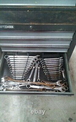 Craftsman rolling tool cabinet, Grey, Stackable, Locks, 16 drawer, with keys