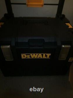 NEW DeWalt FLEXVOLT ADVANTAGE 6 TOOL KIT WITH TOUGHSYSTEM ROLLING BOX DCKTS600M