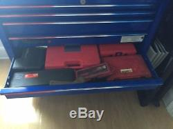Snap-On tool box bottom roll cab with top chest WITH LOTS OF TOOLS